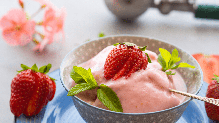 Strawberry smoothie in bowl